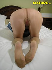 Big titted housewife showing her luscious body
