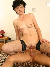 mature sucking the cock dry