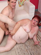 Fat mature Margaret gives her stud an expert blowjob and got her fat pussy fucked in many ways