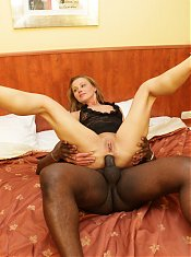 Beautiful mature chick Suzy spreading her flabby butt while a black cock fills her hole